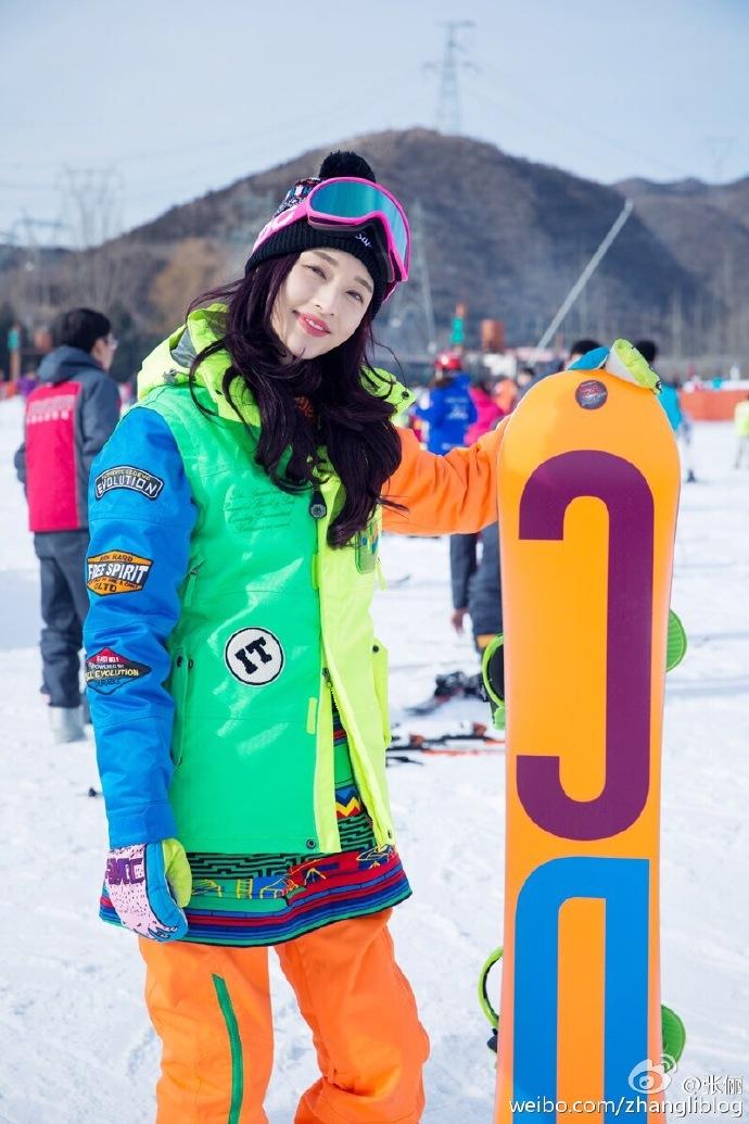 幼儿园大班手抄报滑雪