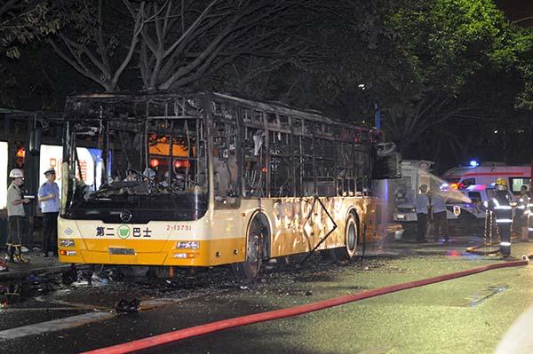 公安部:加强公共汽车安全防范和应急准备