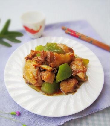 青笋烧鸡块的做法,青笋烧鸡块的制作方法