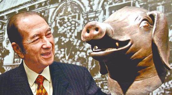 赌王2003年买下圆明园大水法猪首铜像,赠给国家