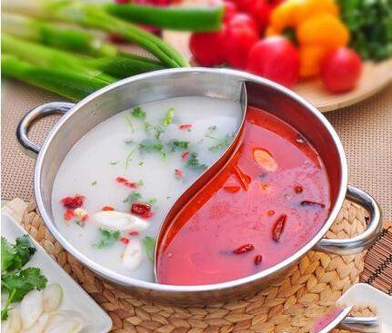 小编教你四种简单美味的做法 红汤火锅:黄牛背柳肉200克,水牛肝200克