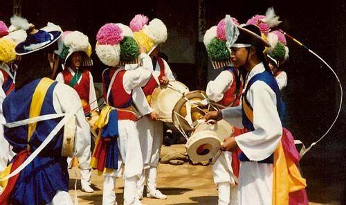 韩国的歌舞风俗 韩国的重要节日