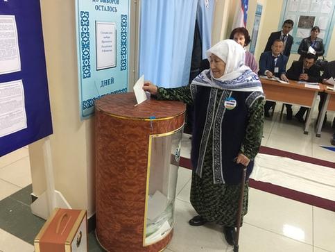 乌兹别克斯坦举行总统大选 全国公交地铁免费