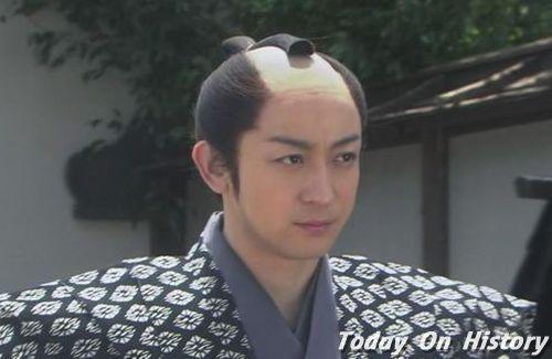 日本古代女子发型   从3岁开始,日本幼儿就需要梳一定的发型.