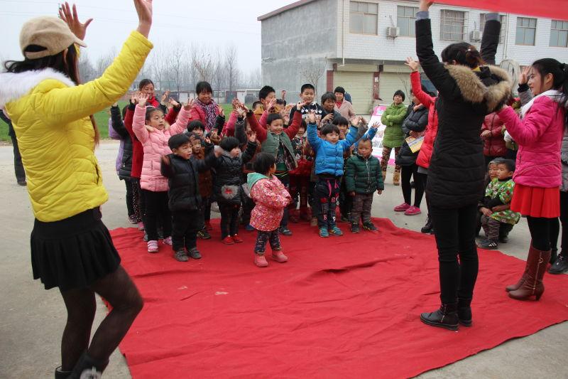 """农村留守儿童举行""""合力监护 相伴成长""""关爱保护专项行动公益宣讲活动"""
