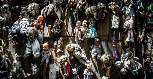 墨西哥恐怖娃娃岛 众多娃娃只为安抚女孩灵魂