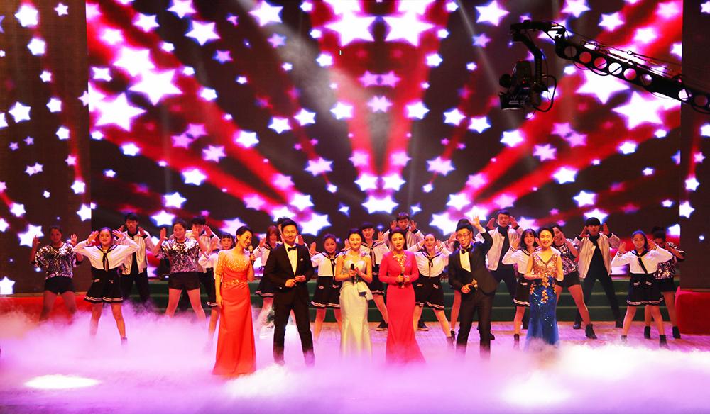 开场歌舞《为梦想时刻准备着》 伴舞:百课舞蹈工作室