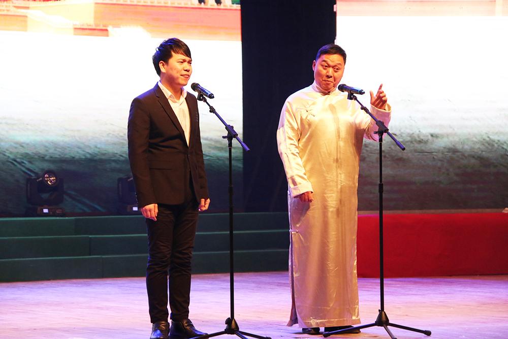 相声《喜剧之王》 表演:王凯、刘蓓蕾