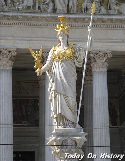 智慧女神雅典娜为何从父亲宙斯身上诞生