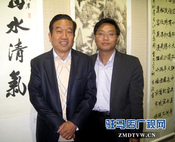 与全国政协常委、中国书协主席苏士澍先生合影.jpg