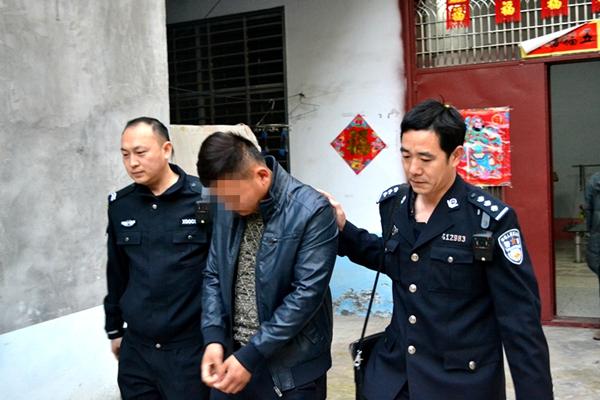 """平舆县法院凌晨突击  执行""""老赖""""不手软"""
