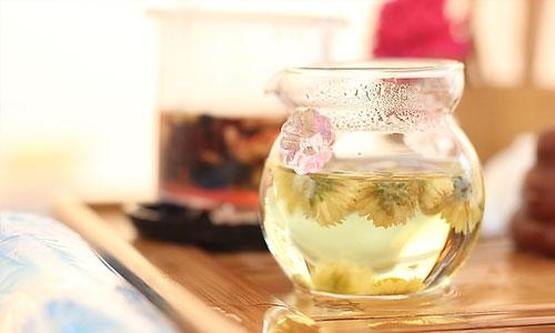 喝花茶有禁忌:女人喝花茶养生要适可而止