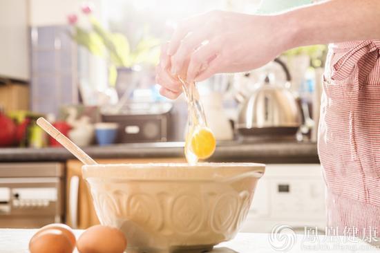 炒鸡蛋加两样宝甚好