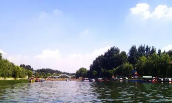 大小门牙风景区位于仲宫南,自然风景,山水一体,钓鱼,游船,尝鲜,访泉