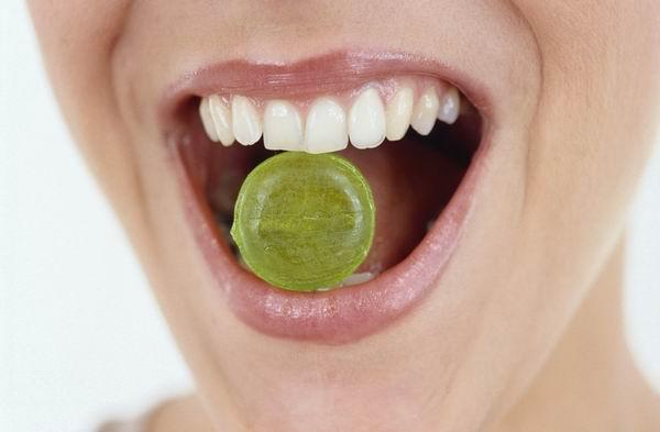 小心口腔菌群失调!慢性咽炎勿将润喉片当糖吃