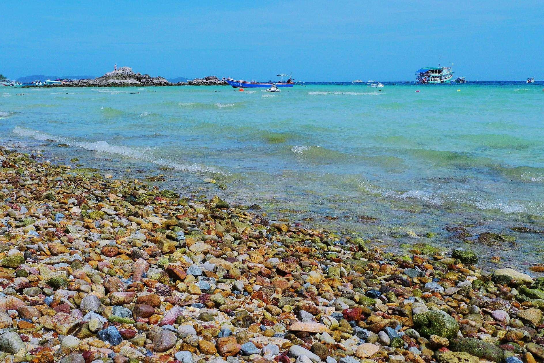 小海南-金沙岛 位于乐亭县西南渤海中