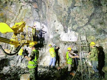 探访海底隧道施工现场:海下80米,竟如桑拿天