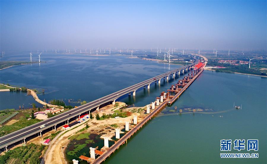 中国高铁:书写时代名片