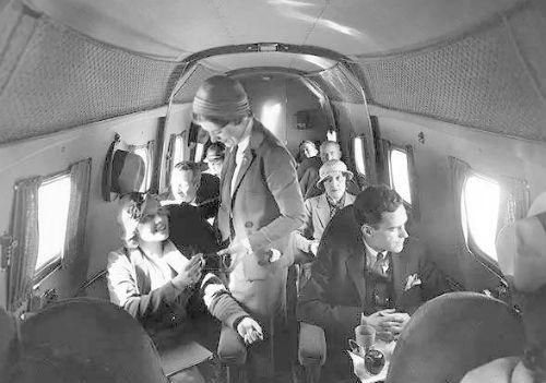 民航往事:飞机能开窗伦敦飞往巴黎中途着陆14次