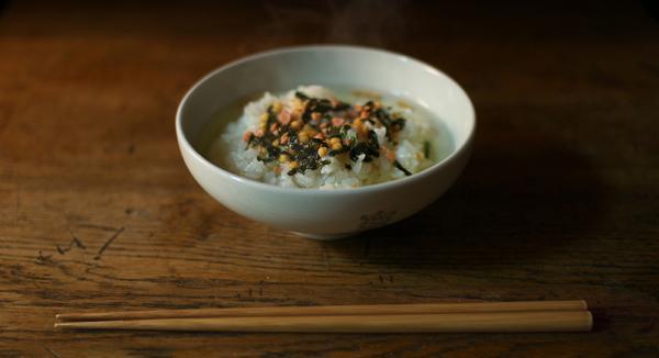 辟谣!汤泡饭不能吃,容易得胃病?