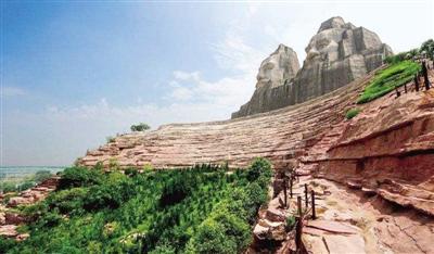 风景区,郑州黄河国家地质公园,在这里可以欣赏到五龙峰,岳山寺,大禹山