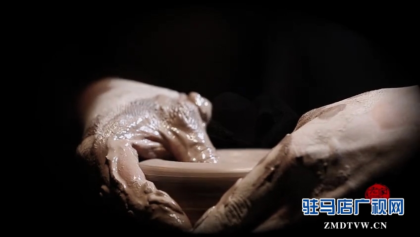 """""""老家河南""""微视频第1部:《南村彩陶人》"""