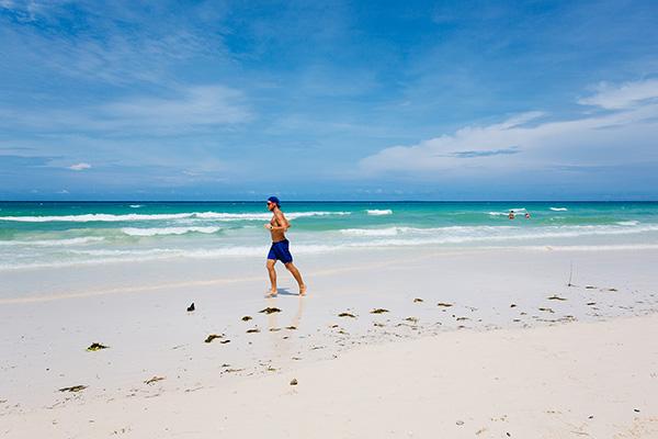 水上活动全关、海滩上严禁吃喝 长滩岛闭岛半年下周五重开