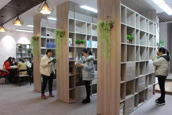 正阳县供电公司开展女职工读书活动