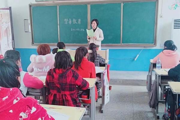 上蔡县以活动促提升 引导青少年树立正确价值观