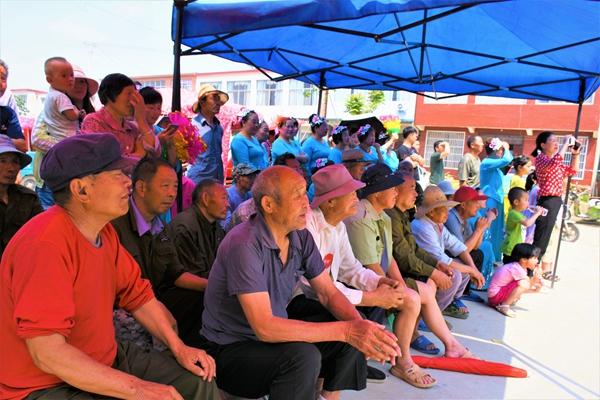 正阳县政协组织人员到雷寨乡敬老院开展慰问活动