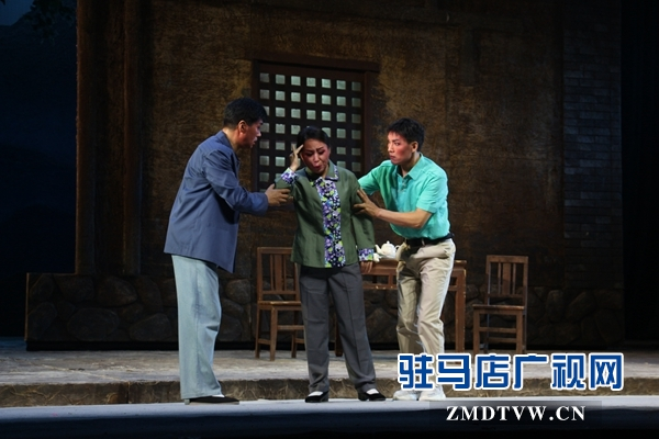 """第八届黄河戏剧节在""""河南豫剧之乡""""驻马店闭幕"""