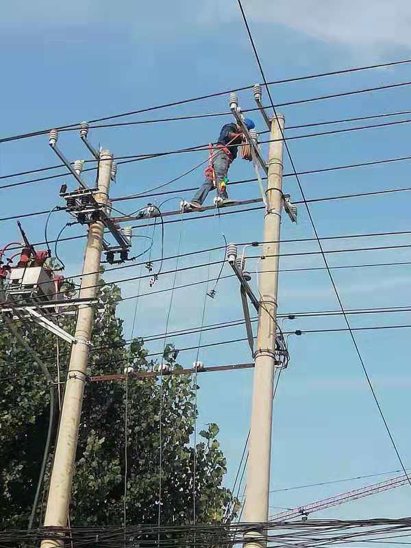 """正阳县供电公司采取多项措施应对大暑大""""烤""""天气"""