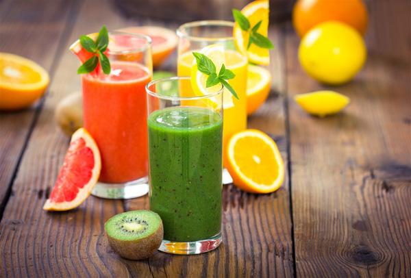 榨果汁要加水吗 鲜榨果汁怎么做好喝