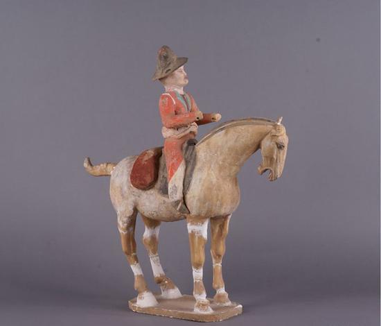 骑马胡商俑:唐代东西方经济贸易交流的见证