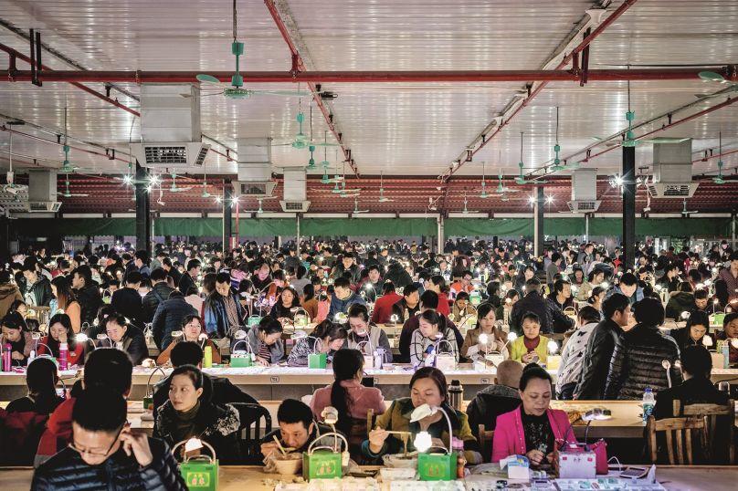 一夜直播当网红,年轻女孩爱杭州