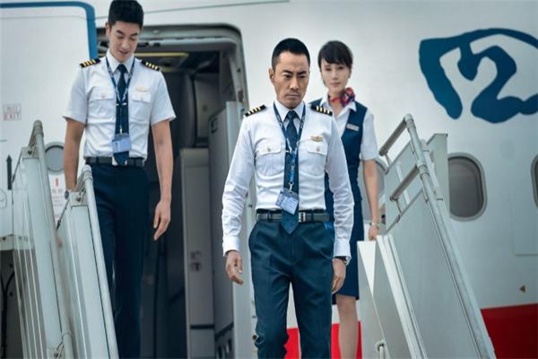 中国机长:欧豪拍戏太拼?幕后曝光后让人心疼!