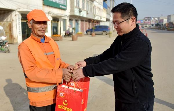 正阳县永兴镇大力倡导为民服务办好事