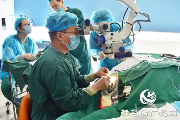 新技术!驻马店市首例人工玻璃体球囊在驻马店眼科医院成功手术!