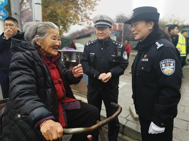 市公安局西园派出所全警服务创文测评工作