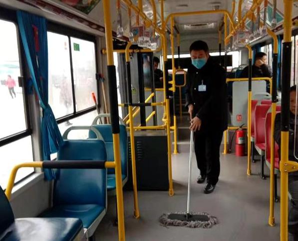 疫情防控:驻马店公交车日消毒两次,驾驶员佩戴口罩
