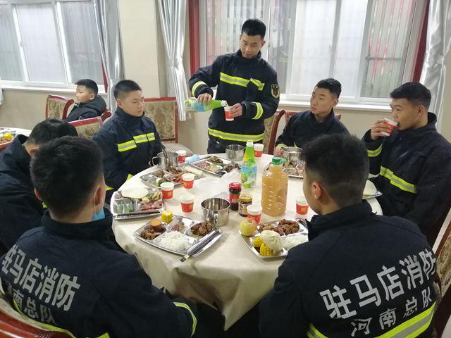 驻马店市消防救援指战员的年三十