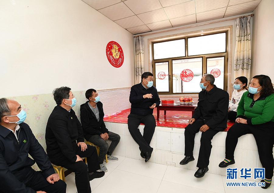 习近平:书写新时代中国特色社会主义新篇章