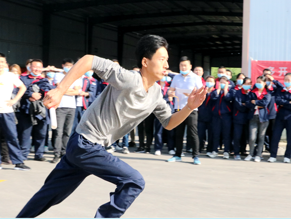 正阳:450名员工在企业运动会上展现蓬勃风貌