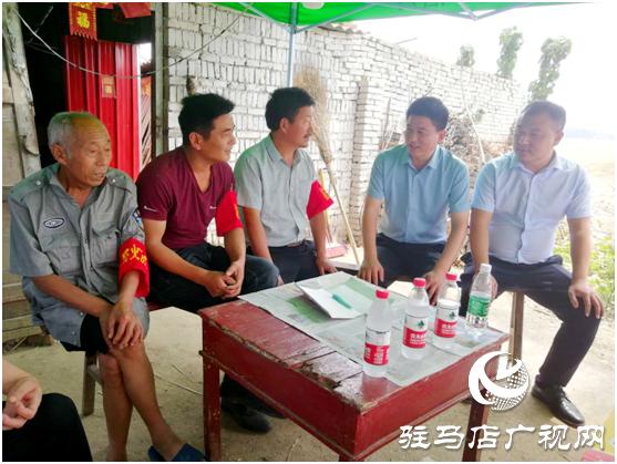 平舆县玉皇庙乡:爱心人士助力秸秆禁烧