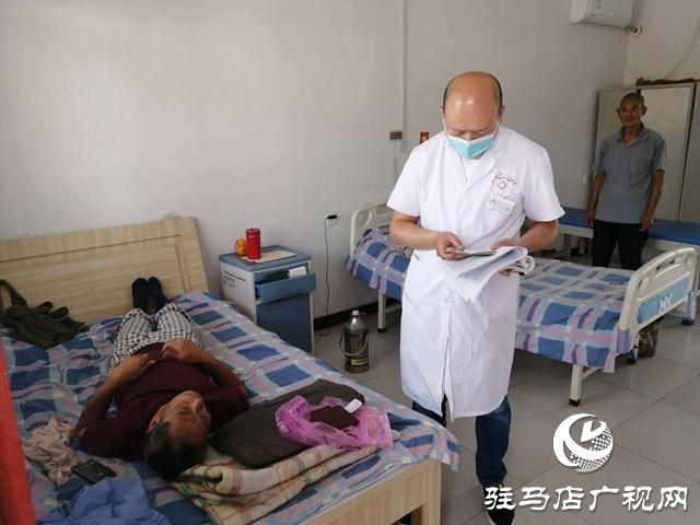 老君庙镇:上门更换残疾证   贴心服务暖人心