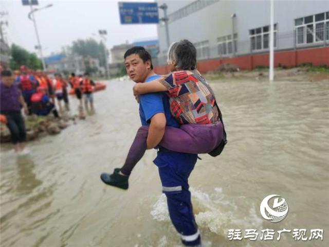 驻马店市蛟龙水上救援队火速支援安徽六安固镇抗洪救援