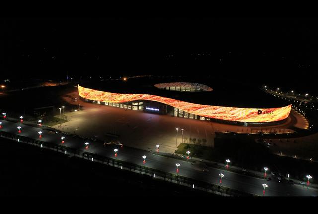 驻马店国际会展中心灯光璀璨迎接八方宾客