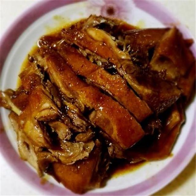 秋天的鸭子肉肥味美