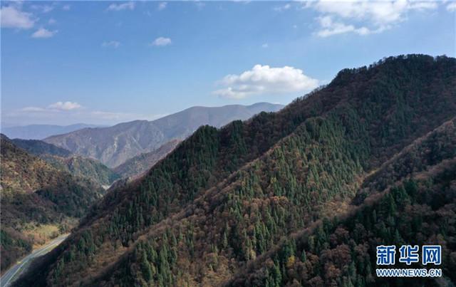 青海海东:地质公园秋色美