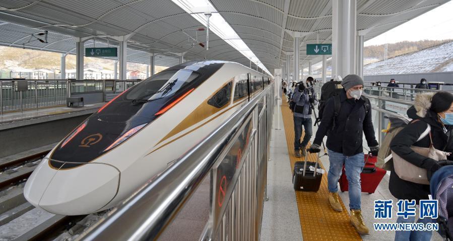 京张高铁开通一周年发送旅客超680万人次